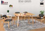 スカンジナビアの家具の木製のダイニングテーブル