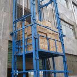 Im Freien und gute vertikale Schienen-Fracht-Höhenruder-Innenplattform-hydraulischer Lager-Ladung-Aufzug