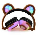크리스마스 선물로 아이를 위한 빛을내는 LED 곰 귀 헤드폰