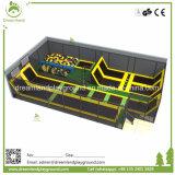 子供の屋内トランポリンのベッドの跳躍のスポーツの適性のトランポリン公園