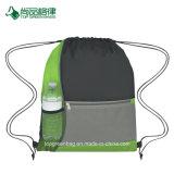卸し売り経済的ポリエステルカラーブロックの側面の網のポケットスポーツのドローストリング袋をカスタマイズする