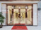 L'extérieur en acier inoxydable entrée commerciale les portes de verre