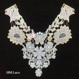 35*35cm Appliques Vintage creusés or Collier broderie Fashion Costume appliques de décoration avec Papillon fleur hme945