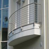De buiten Leuning van het Roestvrij staal van het Traliewerk van het Balkon