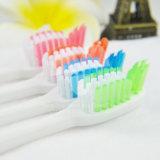 Da cerda macia por atacado dos adultos de Yangzhou Toothbrush limpo oral