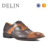 Prix d'usine à la mode Talon bas les hommes à lacets de souliers en cuir