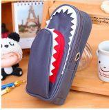 La caisse mignonne de poche de crayon pour le crayon lecteur de forme de requin de garçons de filles d'école met en sac le cadre pour la papeterie de la Corée de grande capacité de tirette de Bilayer d'élève
