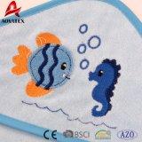20cm*20cm 아기 세척 피복은, 76-76cm 두건이 있는 수건 패턴, 아기 두건이 있는 수건을 인쇄하는 만화 도매한다