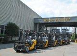 Reihe UNO-N des Dieselgabelstaplers 2.5ton mit dem Triplex 6.0m Mast