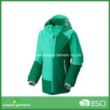 Новая куртка лыжи зимы способа конструкции с хорошей разрывая прочностью