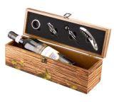 По окончании винтаж деревянные вино коробки с комплектом инструментов