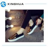 Новейшая мода Unsex повседневная обувь полотенного транспортера