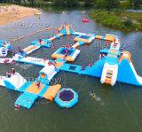 Nuova sosta di galleggiamento gonfiabile dell'acqua del Aqua di estate calda per il lago