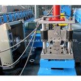 Rolo do obturador do metal que dá forma à maquinaria
