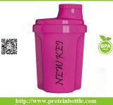 Sin BPA Material 600ml botella agitador de proteína de suero con bola de metal