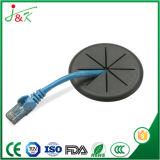 Резиновую втулку используется для защиты проводов
