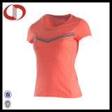 Polyester-Breathable Großhandelsmädchen-Sport 100%, der Hemden laufen lässt