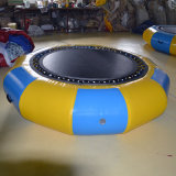 L'eau gonflable Trampoline attrayant