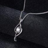 優雅な方法人工的な宝石類のペンダントのネックレス