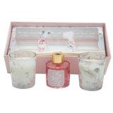 Cheiro de vela com adesivo branco na caixa de oferta para a decoração das casas e Festival