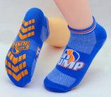 De antislip Sokken van de Sport niet van de Misstap van Sokken voor het Springen van de Sprong Trampolining Sokken