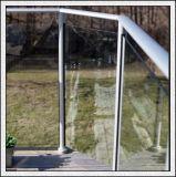 der 8/10/12mm Raum-Hartglas mit Löchern/polierte Ränder für Treppe/Zaun-/Dusche-Tür