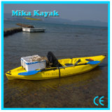 Una canoa di plastica della plastica dei pescherecci del kajak della sede