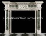 Bordi di marmo sembranti antichi del camino della mensola del camino inglese del camino