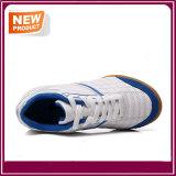 Chaussures du football des hommes à vendre