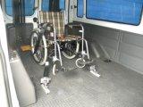 Sistema di fermo della sedia a rotelle X-801-1 con le cinghie di sicurezza
