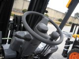L'essence pour chariot élévateur à fourche 3.5Ton avec moteur Nissan K25