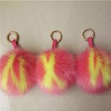 クリスマス袋の魅力の毛皮の毛皮POM POM Keychainの毛皮の球のキーホルダー
