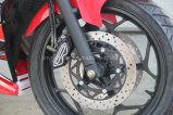 bici di corsa potente di sport del motociclo 350cc con i bei occhi di colore rosso