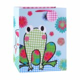 Bolsa de papel revestida del regalo del oso del arte verde de los niños