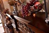Mensola del camino del camino intagliata oggetto d'antiquariato antico di legno solido di stile