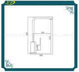 Qualitäts-quadratisches Messingküche-Bassin-langer Tülle-Hahn