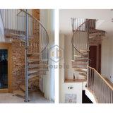 Il legno fa un passo calcolatore interno della scala a spirale delle scale del ferro saldato