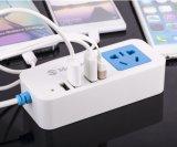 5つのアウトレット2 USB充満ポートのマルチプラグの配線のソケットUSBの壁力の充電器のアダプター