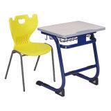Eco 목제 상단을%s 가진 친절한 단 하나 교정 책상 그리고 의자