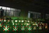 Elektronische Ampel des Weg-Steuersignal-Licht-/LED mit rotem Kreuz u. grünem Pfeil