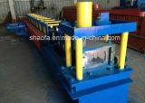 機械を形作るガレージのドア柵ガイドトラックロール