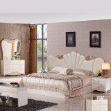 고대 침실 가구는 2인용 침대 (3381)로 놓았다