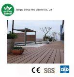 Decking composé en plastique en bois de plancher du matériau de construction WPC pour extérieur