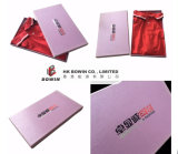 Boîte-cadeau de papier texturisée de estampage métallique personnalisée de cadre de T-shirt de couverture métallique de logo de modèle
