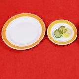 Saled chaud un jeu de dîner en céramique de RIM de couleur