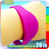 Bracelete clássico da borracha de silicone MIFARE do disconto de até 15% 1K RFID