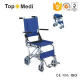Sedia a rotelle portatile leggera di alluminio della navata laterale dell'aeroplano della sedia a rotelle di corsa