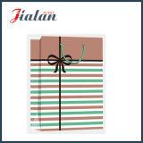 Pistes quotidiennes de série et sacs de papier de cadeau d'achats estampés par 4c de Bowknot