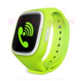 アンドロイドの子供のためのGPS/GSM/WiFi/Lbs Postioning SIMのカードSosのスマートな腕時計