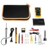 L'elettronica del kit del saldatoio di promozione con lo strumento trasporta il sacchetto